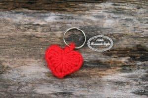 Small Heart Keychain – Free Crochet Pattern