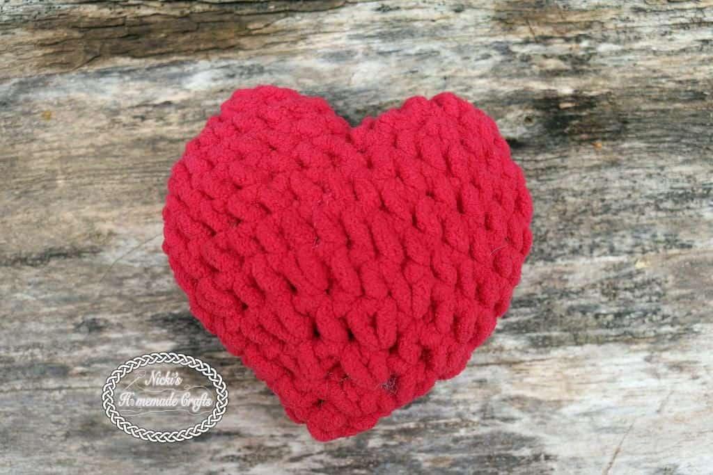 Stuffed 3D Heart - Free Crochet Pattern by Nicki's Homemade Crafts