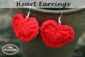 Small Heart Earrings Pattern – Free Crochet Pattern