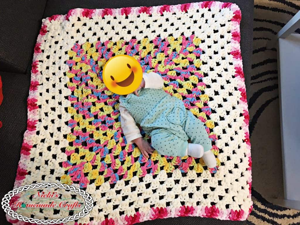 Baby Granny Square Blanket - Free Crochet Pattern