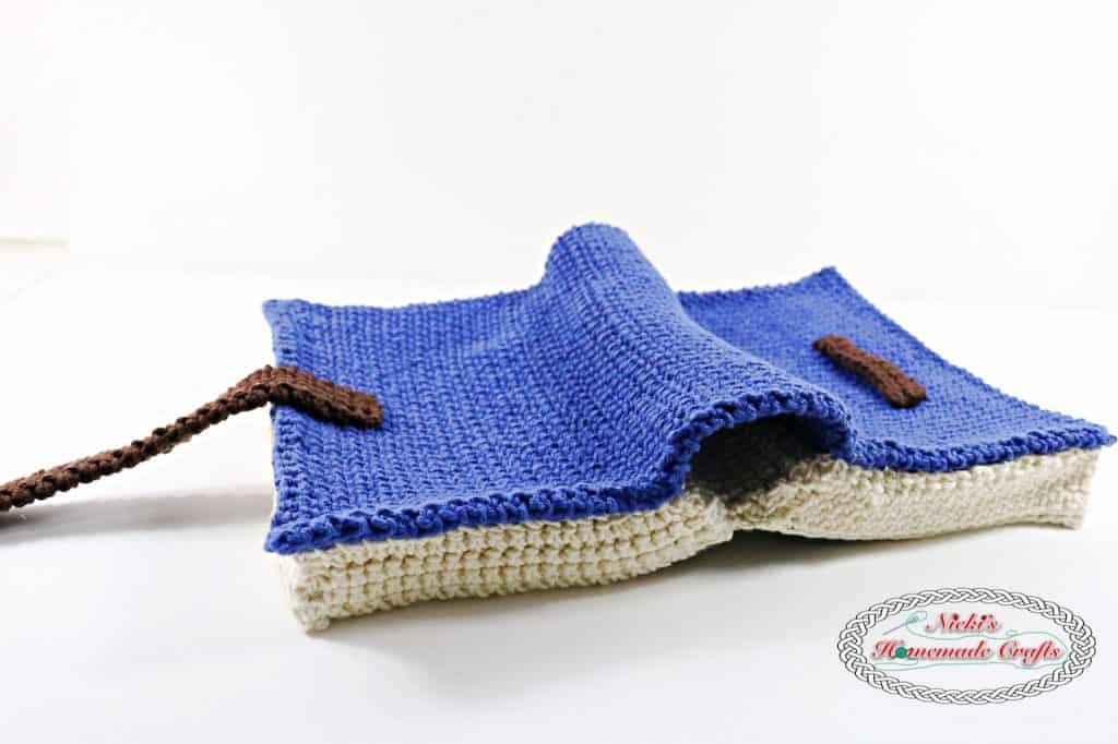 Free Crochet Pattern using the thermal stitch for a Book Cover Pattern, bible, books, potholders, blankets, study bottoms, bags