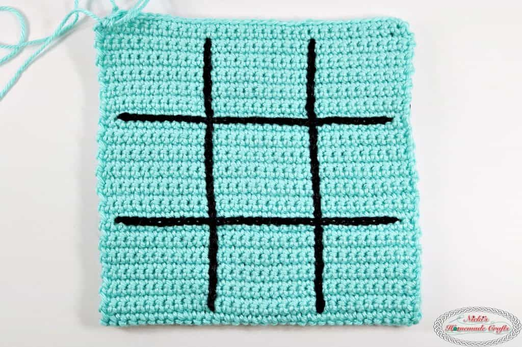 Tic Tac Toe Game as Travel Bag with Magnets - Free Crochet Pattern