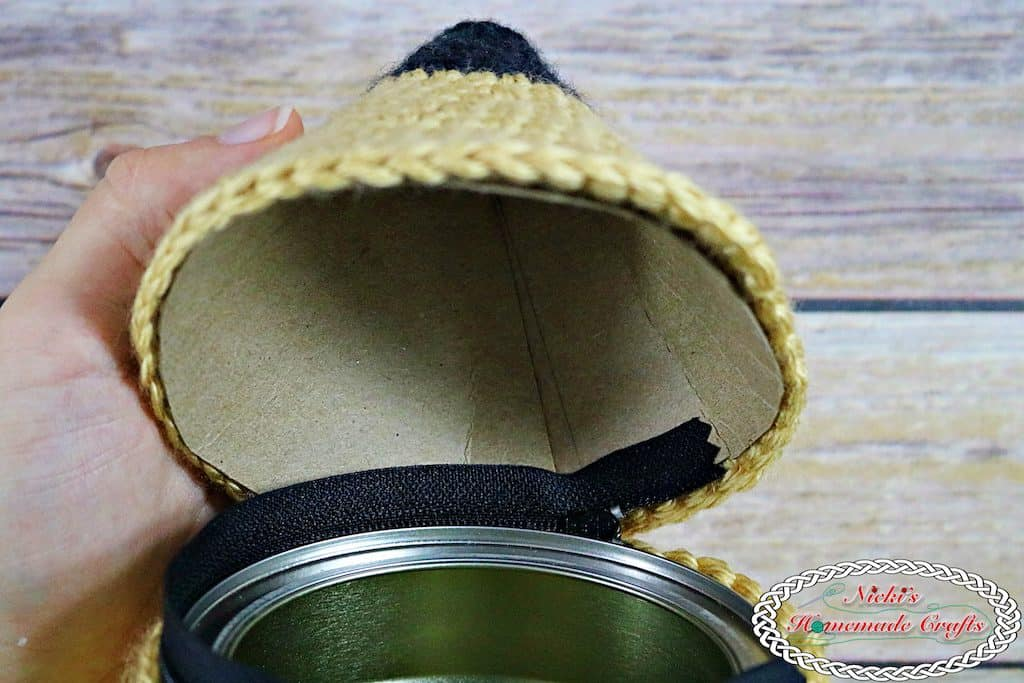 crochet the pencil tip to the zipper for the pencil holder