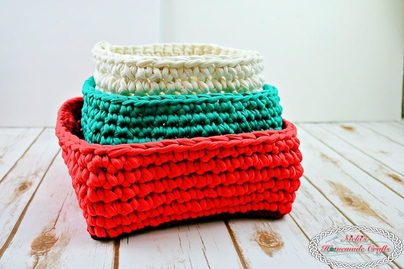 Christmas Baskets made with T-shirt Yarn #recycledyarn #tshirtyarn #crochet #baskets #christmas