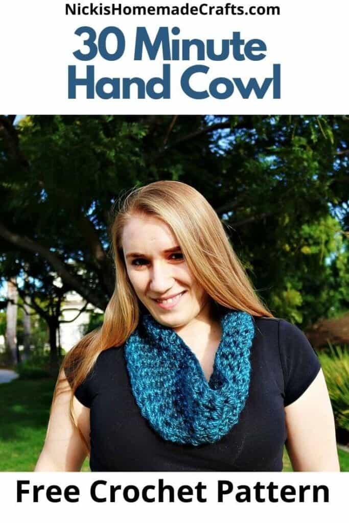 30 Minute Hand Cowl - Free Crochet Pattern