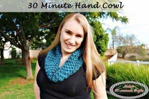 30 Minute Hand Cowl – Free Crochet Pattern