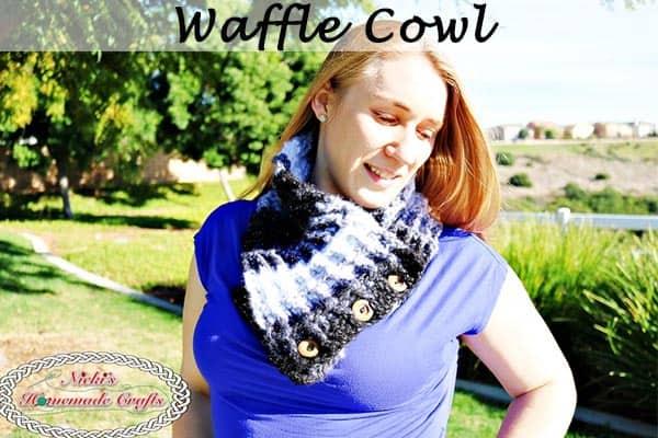 Buttoned Crochet Cowl Pattern