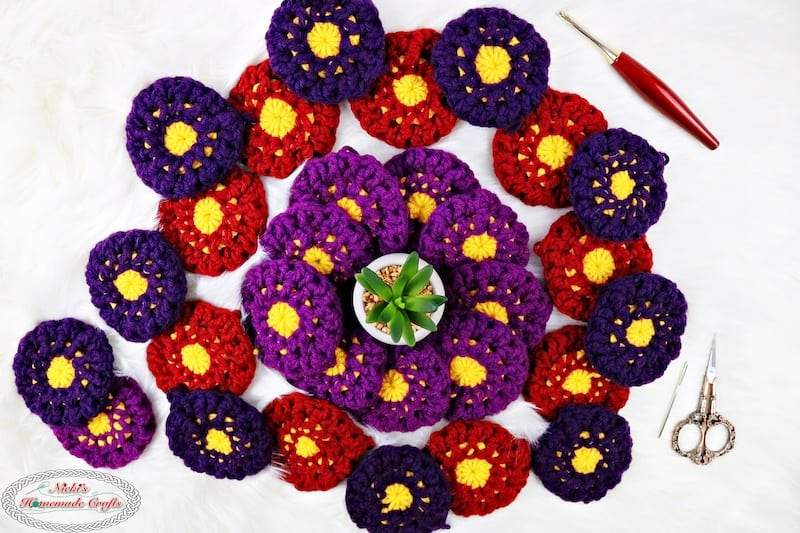 2 rounds of the crochet flower square