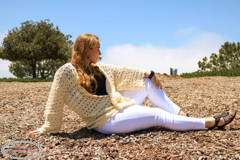 Seashell Cardi pattern to crochet in beige