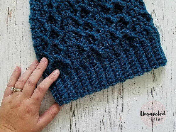 honeycomb cabled beanie - crochet hat patterns