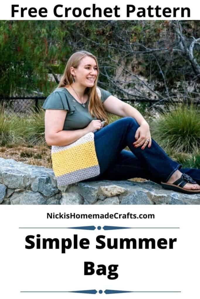 easy summer crochet bag pattern made with t-shirt yarn