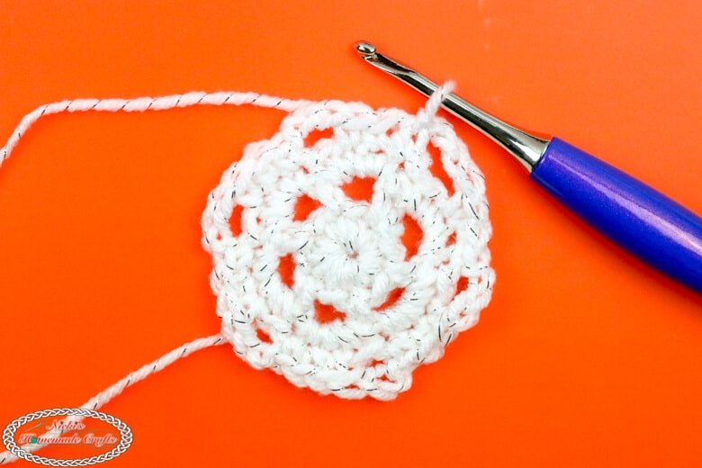 Crochet a Snowflake Step 4