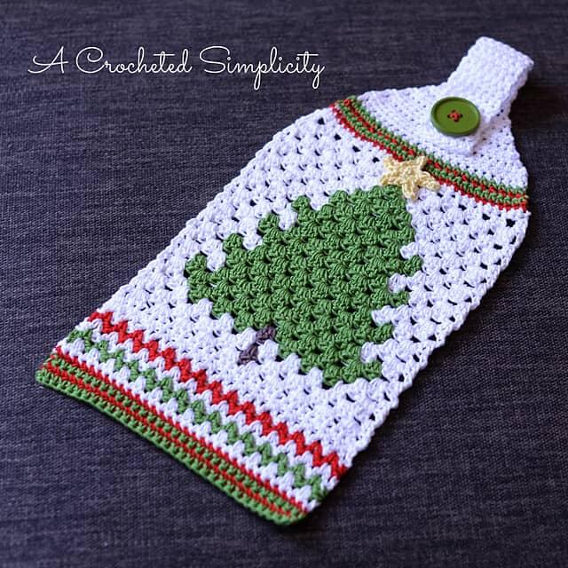 Retro Christmas Tree Towel