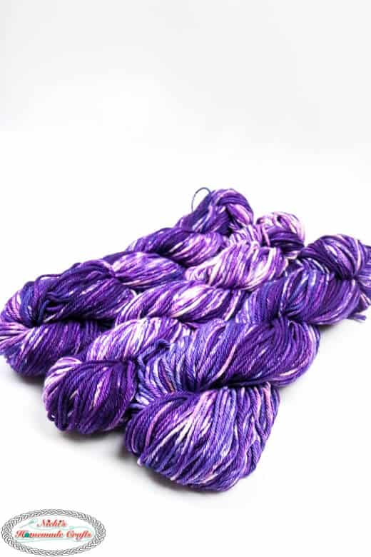 Dyed cotton yarn from a skein