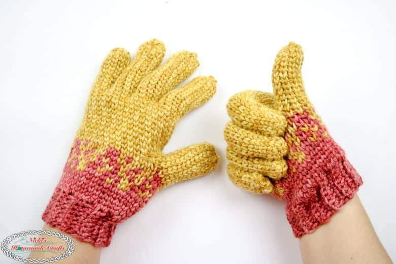 crochet gloves with flying hearts - free pattern