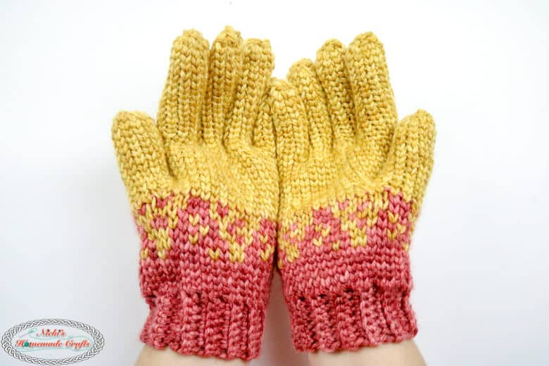 crochet gloves with fingers in orange and red