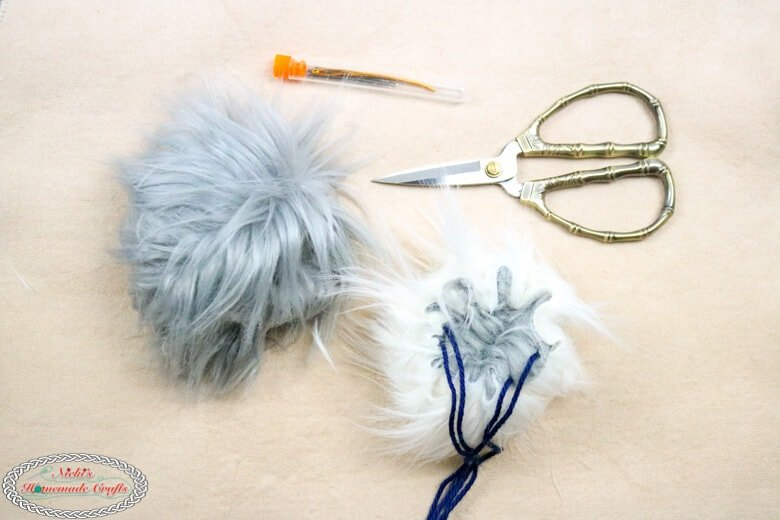 How to make Reversible Faux Fur Pom Poms