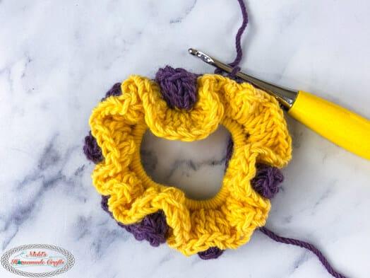 crocheted 2 layer scrunchie