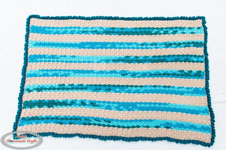 Crochet Blanket Pattern as a throw for the beach