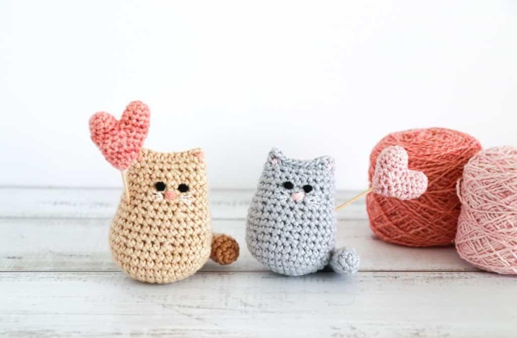 Crochet kitties ideal for Valentine's Day