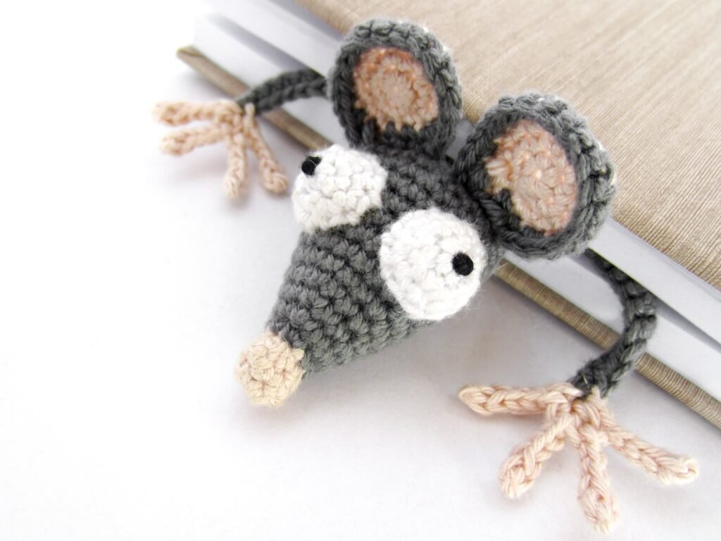 crochet rat bookmark for books