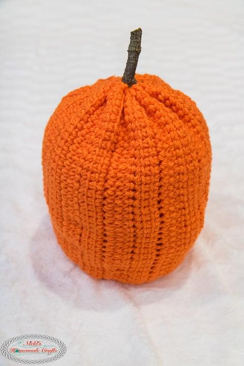 Large crochet pumpkin to make ridges