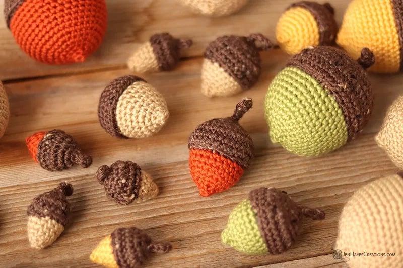 Decoração de outono bolota de crochê