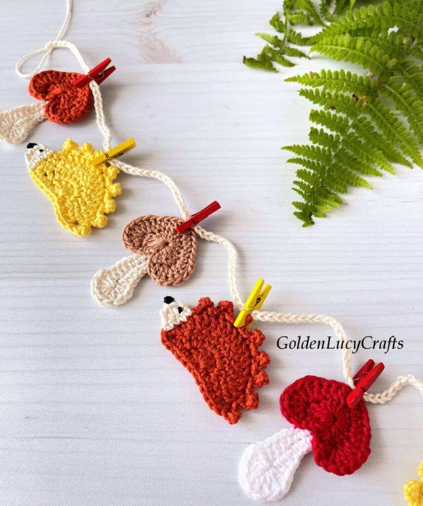 Padrão de decoração de guirlanda de outono em crochê