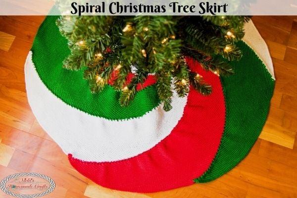 Free Spiral Christmas Tree Skirt Crochet Pattern